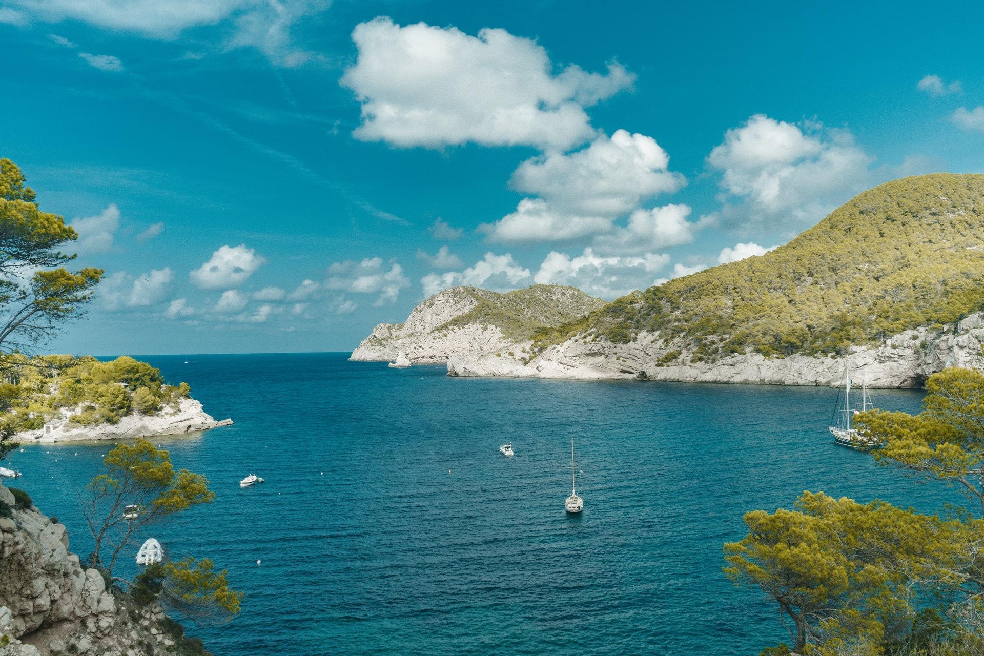 bay-beach-blue-2242207.jpg